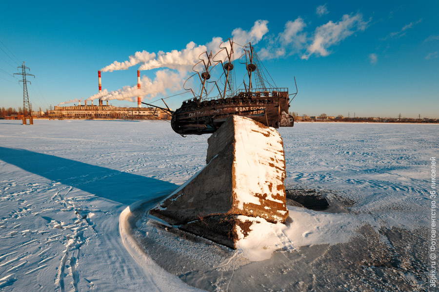 Памятник воронежскому фрегату «Меркурий»