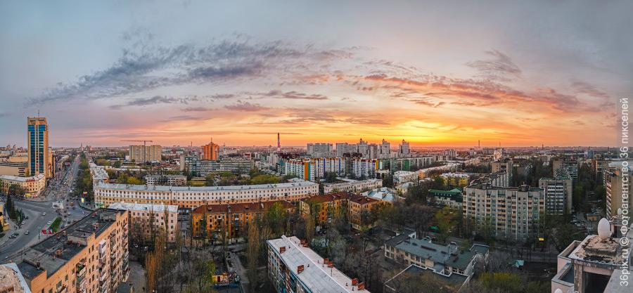 Центр Воронежа на закате